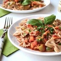Farfalle auf Tomatensauce - Ein vegetarisches Rezept