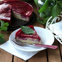 Joghurt-Zimt Kuchen mit Himbeerglasur - ein gesundes Rezept